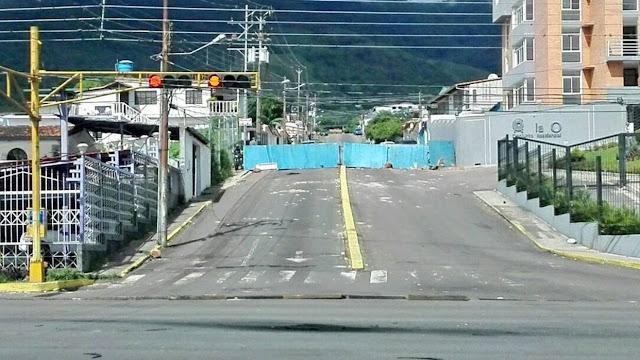 San Cristóbal amaneció repleta de barricadas
