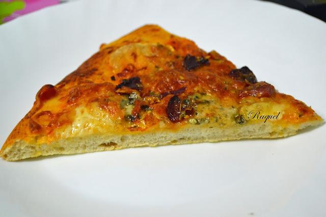 Pizza de Ibéricos y queso de tetilla
