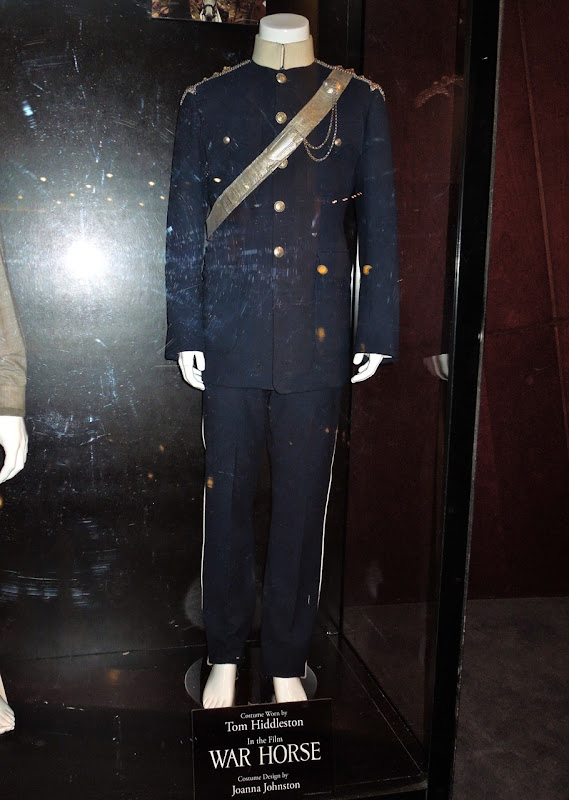 Tom Hiddleston War Horse blue uniform