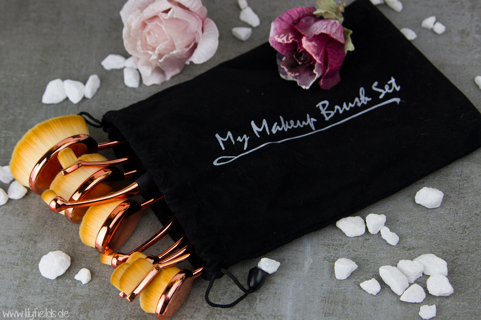 Get yours at mymakeupbrushset.com