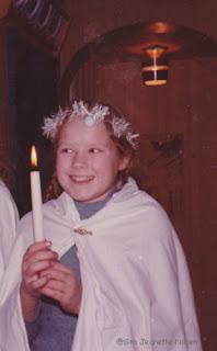 Gro Jeanette utkledd som Lucia, ca. ni år gammel.