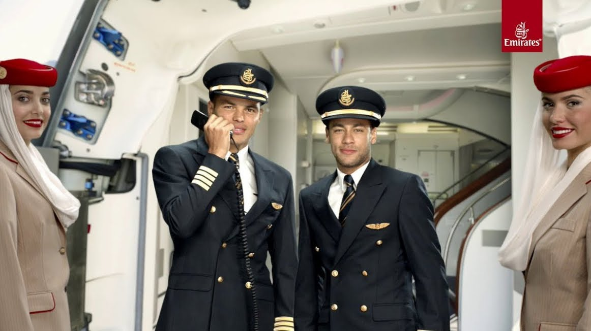 Volo Aereo Emirates Airlines: ragazza fatta scendere per avere il ciclo mestruale
