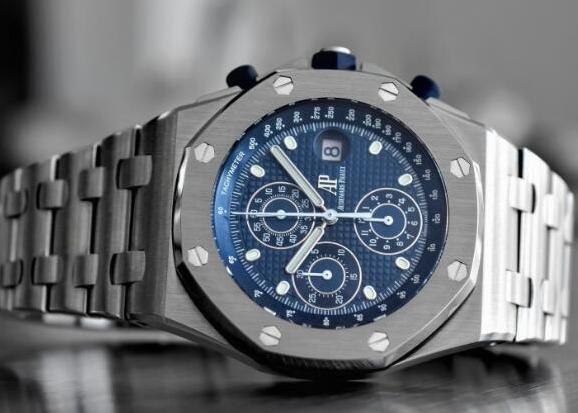 dae067f9977 ... white gold fluorescent hour markers and Royal Oak pointer, blue inner  bezel.Top AAA Replica Audemars Piguet Royal Oak Offshore Watches for sale.