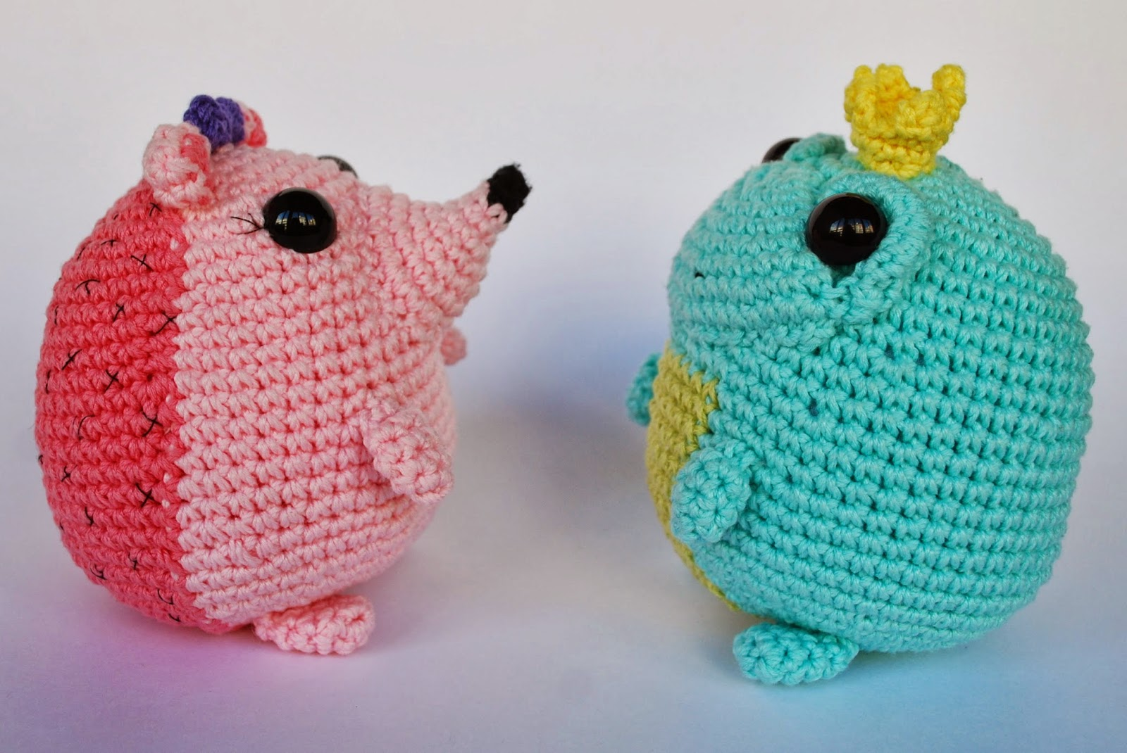 crochet hedgehog and toad