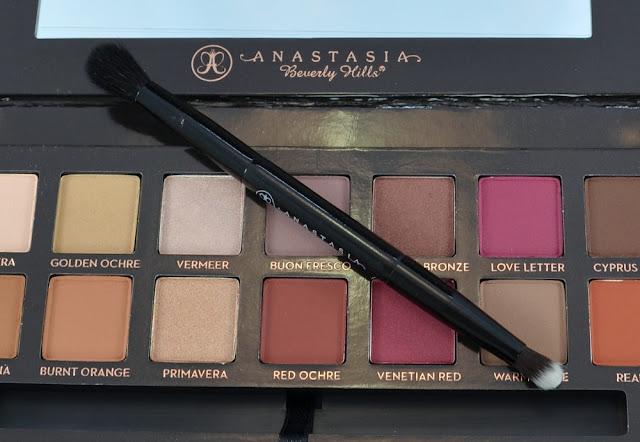 Anastasia Beverly Hills modern renaissance Palette Pinsel