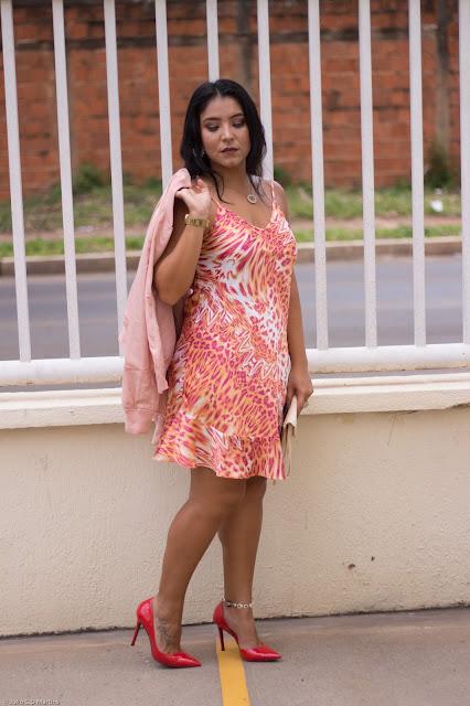 Animal print + bomber jacket: tons de rosa para o mês da Mulher
