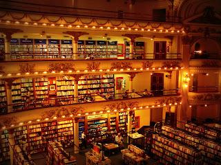 Interior da Livraria El Ateneo, em Buenos Aires