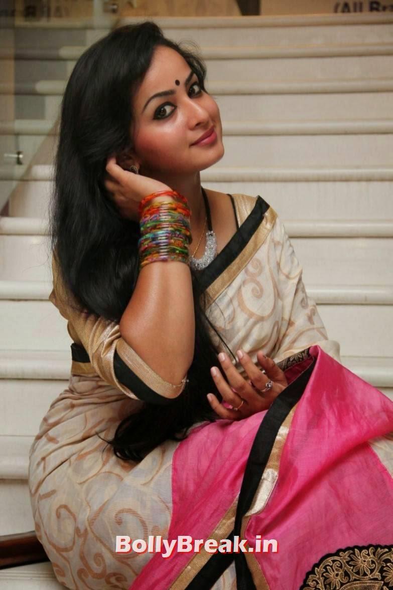 Tamil Bhabhi Actress Sexy Photos In Saree - 8 Pics-3555