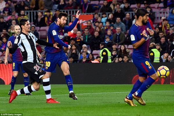 Barca đại thắng: Messi cán mốc lịch sử, thăng hoa rực rỡ 1