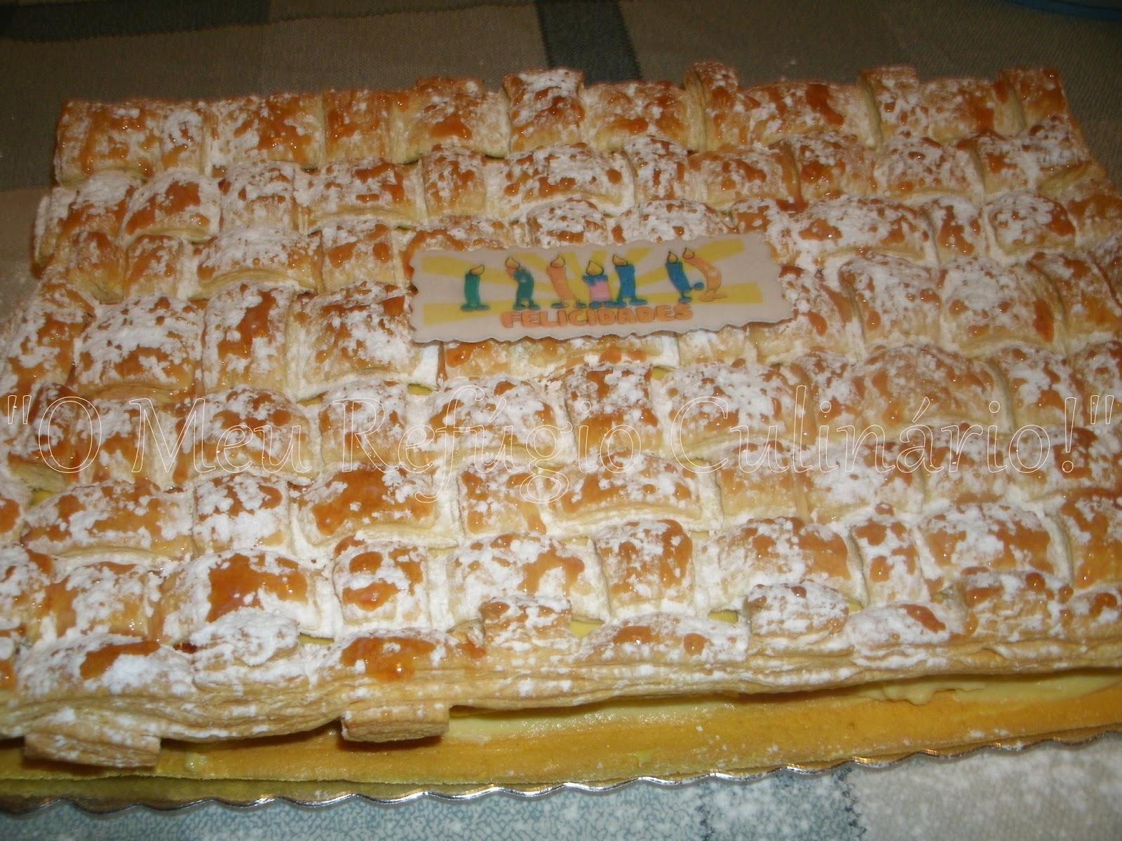 bolo com massa folhada e creme pasteleiro