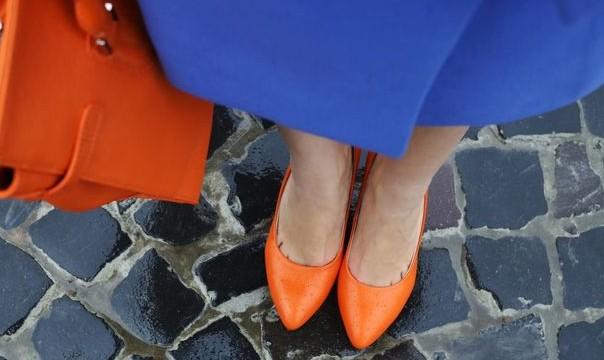Μυρίζουν άσχημα τα παπούτσια; 5 κόλπα για να το αποφύγεις