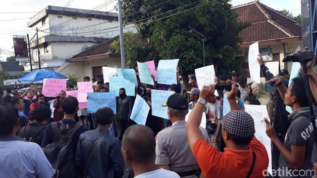 Ratusan Ojek Online di Malang Tuntut Prabowo Minta Maaf