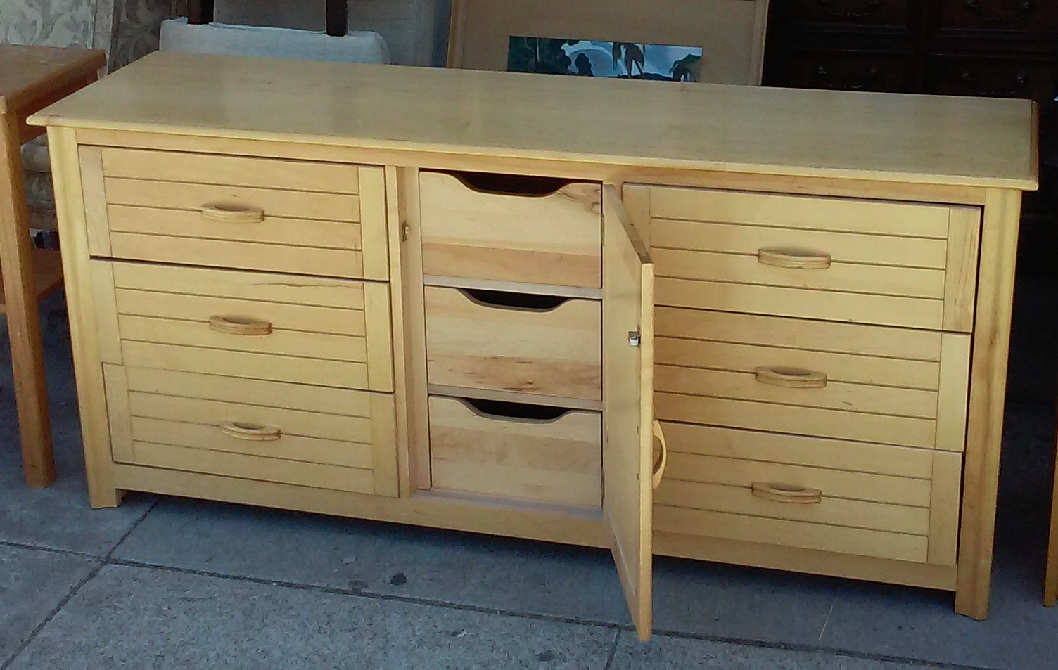 Uhuru Furniture Collectibles Sold 3258 5 1 2