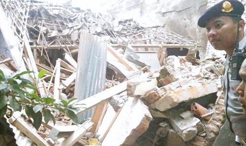 FOTO Berita Penyebab Pesawat TNI Yang Jatuh di Malang