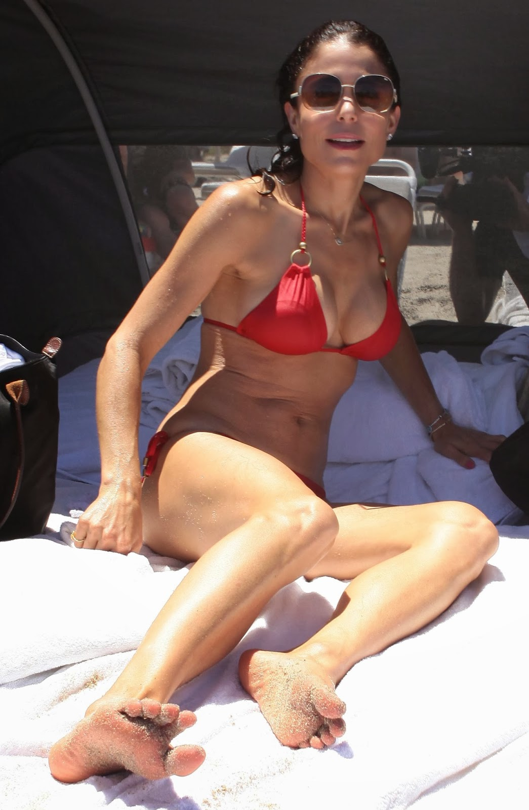 Suzanne somers topless in pool - 1 8