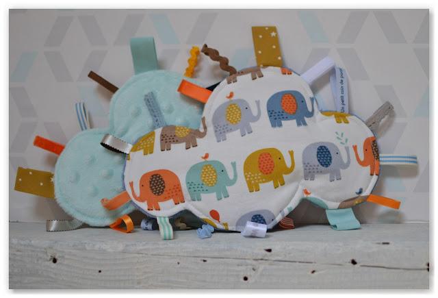 doudous étiquettes nuages éléphants multicolores