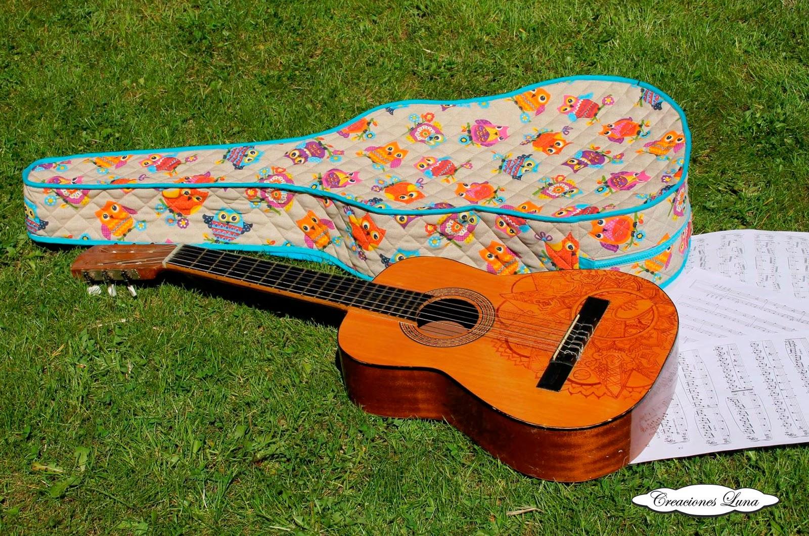 Creaciones Luna: funda de guitarra