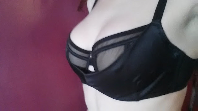 scantilly, curvy kate, cleavage, full bust, bras, my thoughts on bras, black bra
