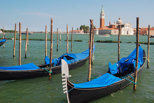l'île San Giorgio Maggiore, face au palais des Doges, abrite un monastère éponyme construit par Andrea Palladio.