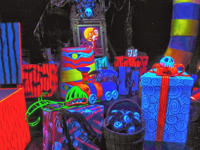 DIY Nightmare Before Christmas Halloween Props: Nightmare ...