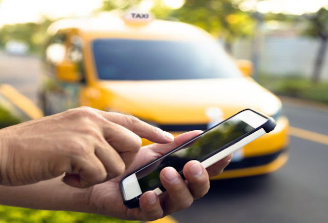 Revisi Aturan Taksi Online