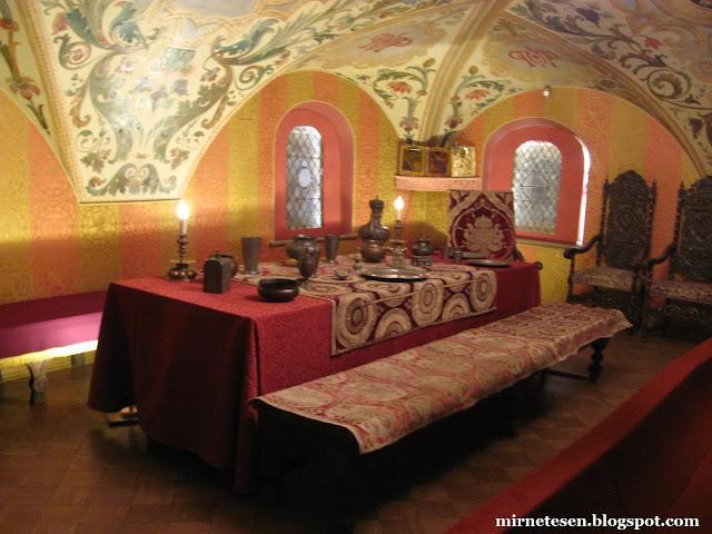 Палаты бояр Романовых - трапезная