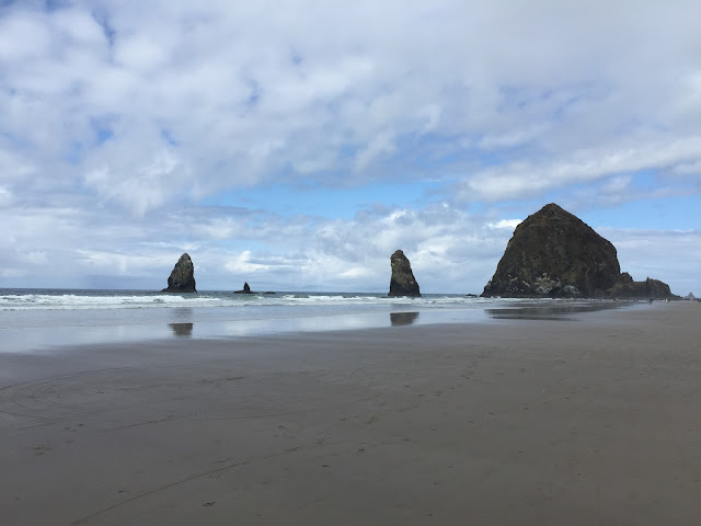 Haystack Rock Cannon Beach - Long Weekend in Oregon: Flashback Friday — October blogging Challenge Day 9