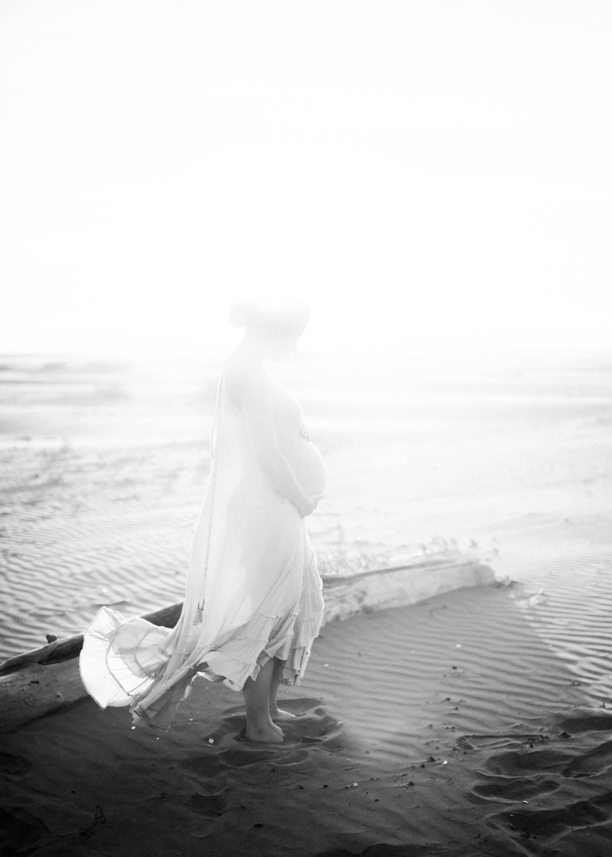 Romantic Beach Maternity Session | Seabrook Wedding Photographer | Something Minted Photography