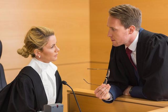 المحامي حينما يتجاهل القاضي دفوعه وطلباته في محضر الجلسة