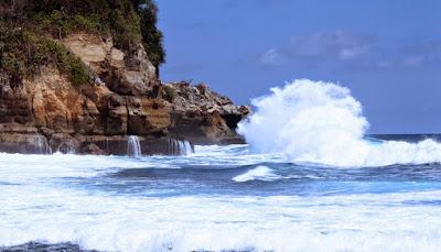 Wisata Pantai Tulungagung