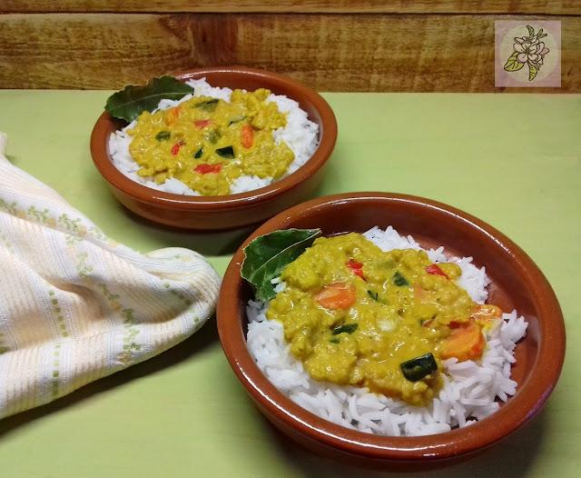 Lentejas Coral con Curry de Verduritas, Receta Vegana.