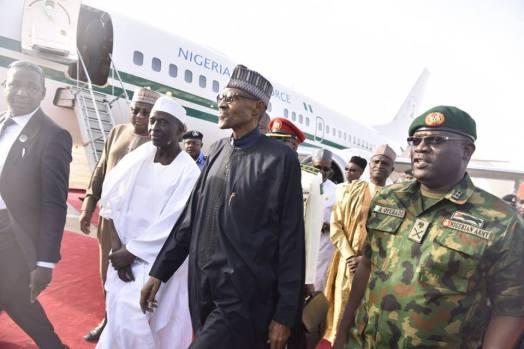 Buhari_arrives_from_London_1
