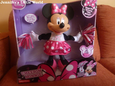 Cheerin' Minnie Mouse Bowtique toy from Fisher Price review