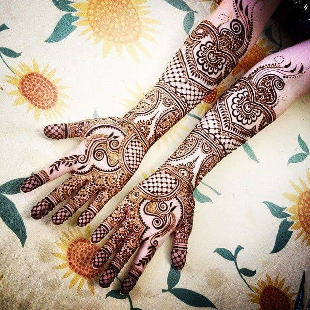 Bridal Designs for Full Hands 11