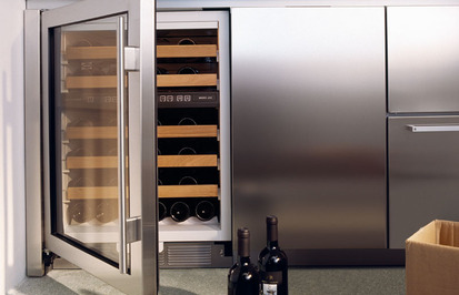 Idee casa frigorifero cantina per avere l 39 enoteca in casa for Idee per arredare enoteca