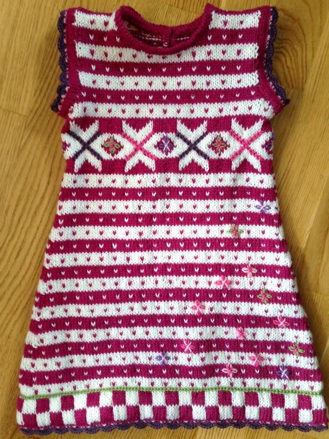 df89db01 Fana- denne gang presentert i kjole str. 4 år.