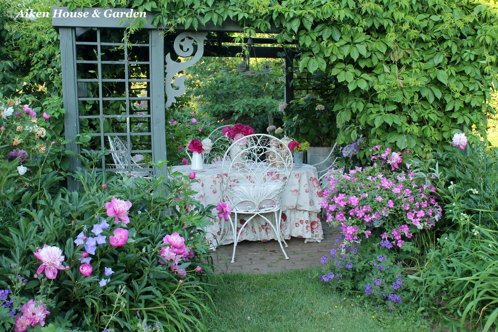 Aiken House & Gardens: Romantic Garden Style on Romantic Backyard Ideas id=26674