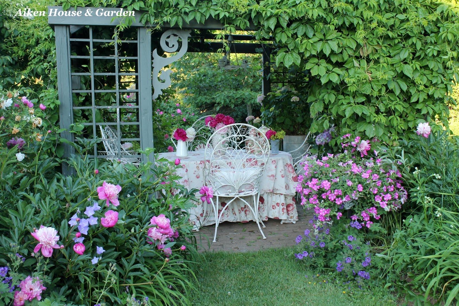 Aiken House & Gardens: Romantic Garden Style on Romantic Backyard Ideas id=26674