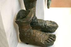 fragment statuie bronz. Antichitera