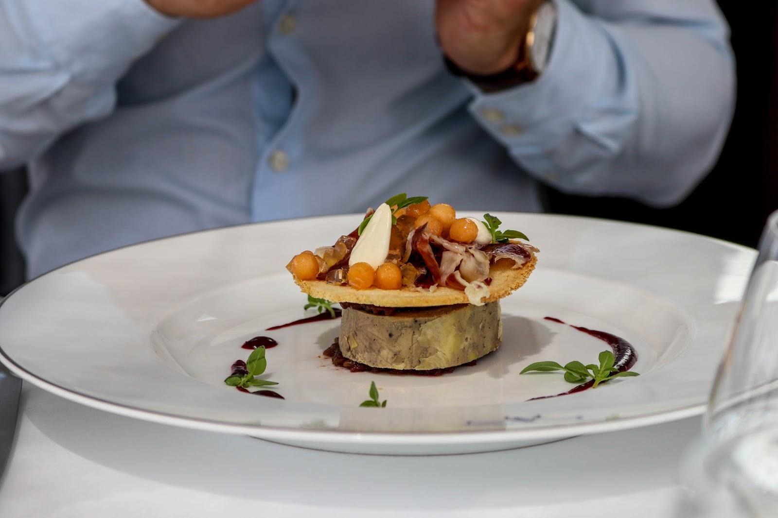 L'Osieau Blanc Alcatel POP 4 Paris Peninsula Hotel