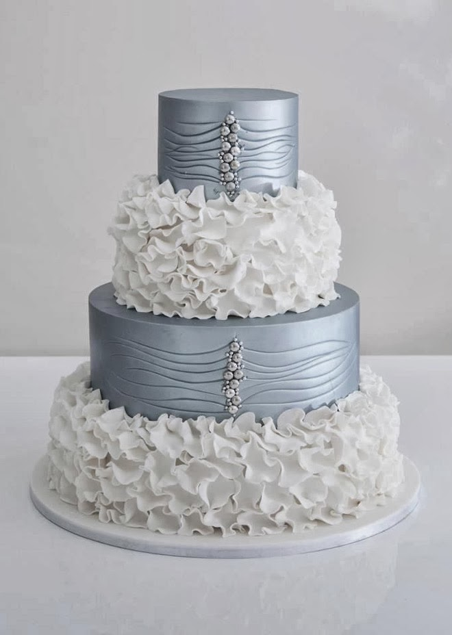 silver and white wedding cake ideas wedding trends metallic cakes the magazine 19855