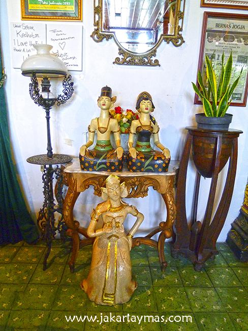 Decoración javanesa en el Sekar Kedhaton