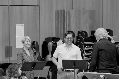 Joyce DiDonato, Michael Spyres, John Nelson rehearsing Les Troyens (Photo Grégory Massat)