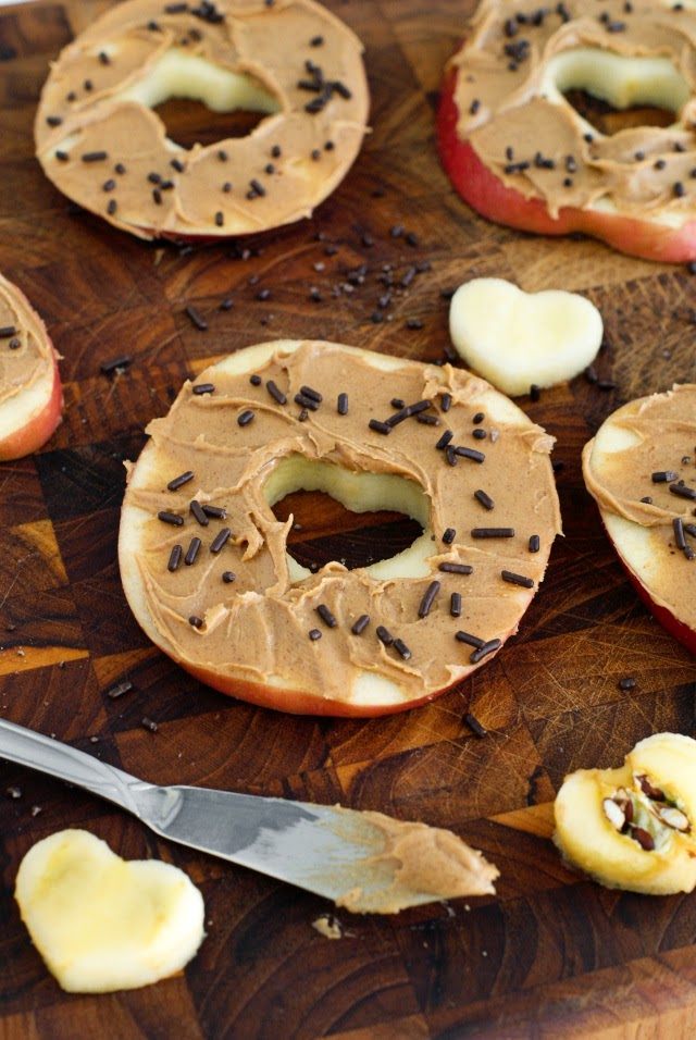 "Sliced Apple ""Donuts""   thetwobiteclub.com"