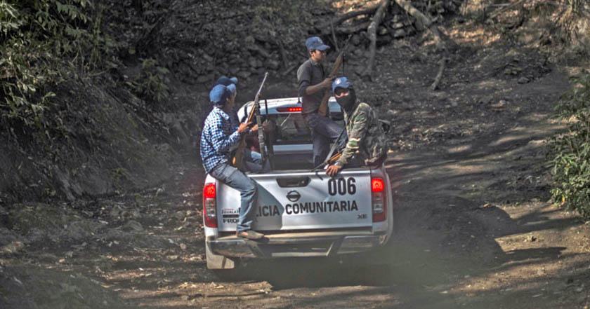 Se forman autodefensas en Morelos ante el crimen organizado.