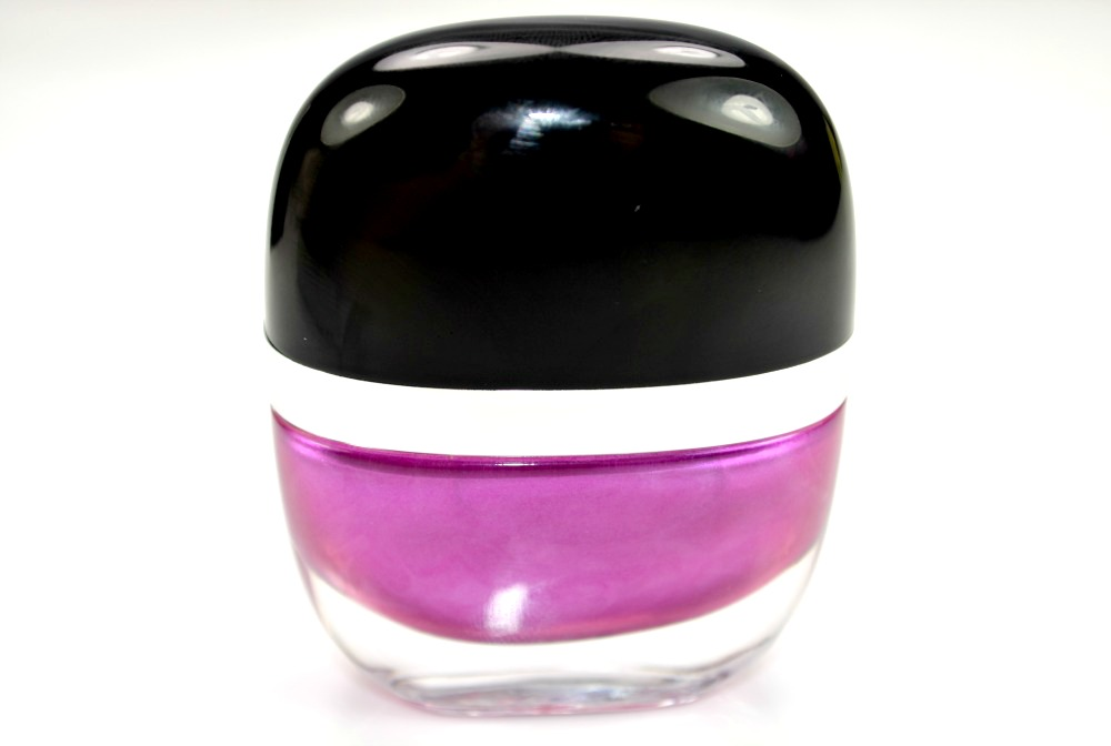 Image of the back of the nail polish bottle