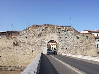 Visuale - Porta Mercatale - Ingresso