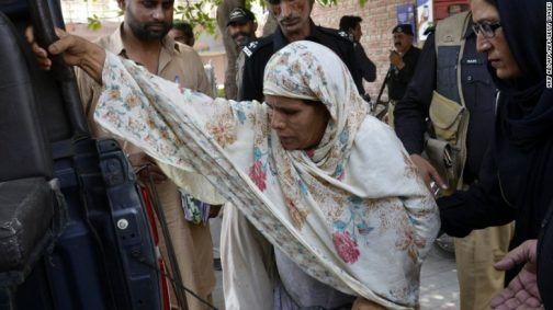 pakistani woman burns daughter alive