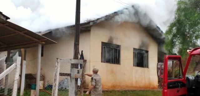 Pitanga: Trágico! Residência pega fogo e homem morre carbonizado