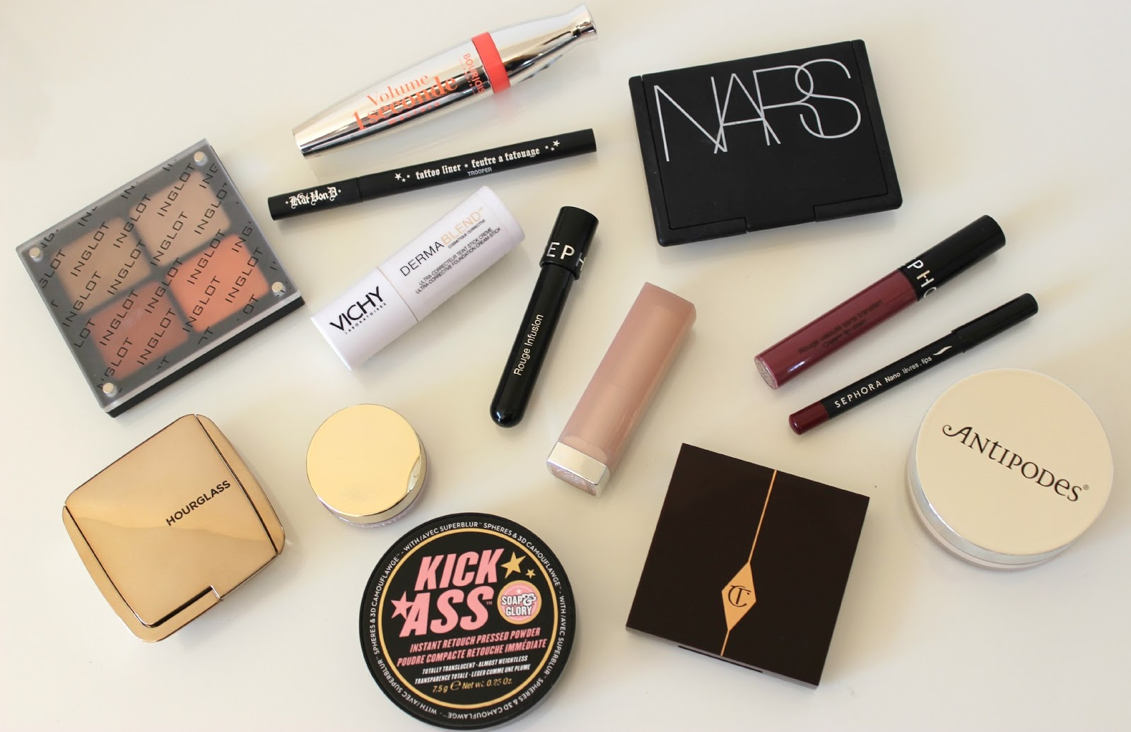 A picture of my favourite makeup products of 2014.